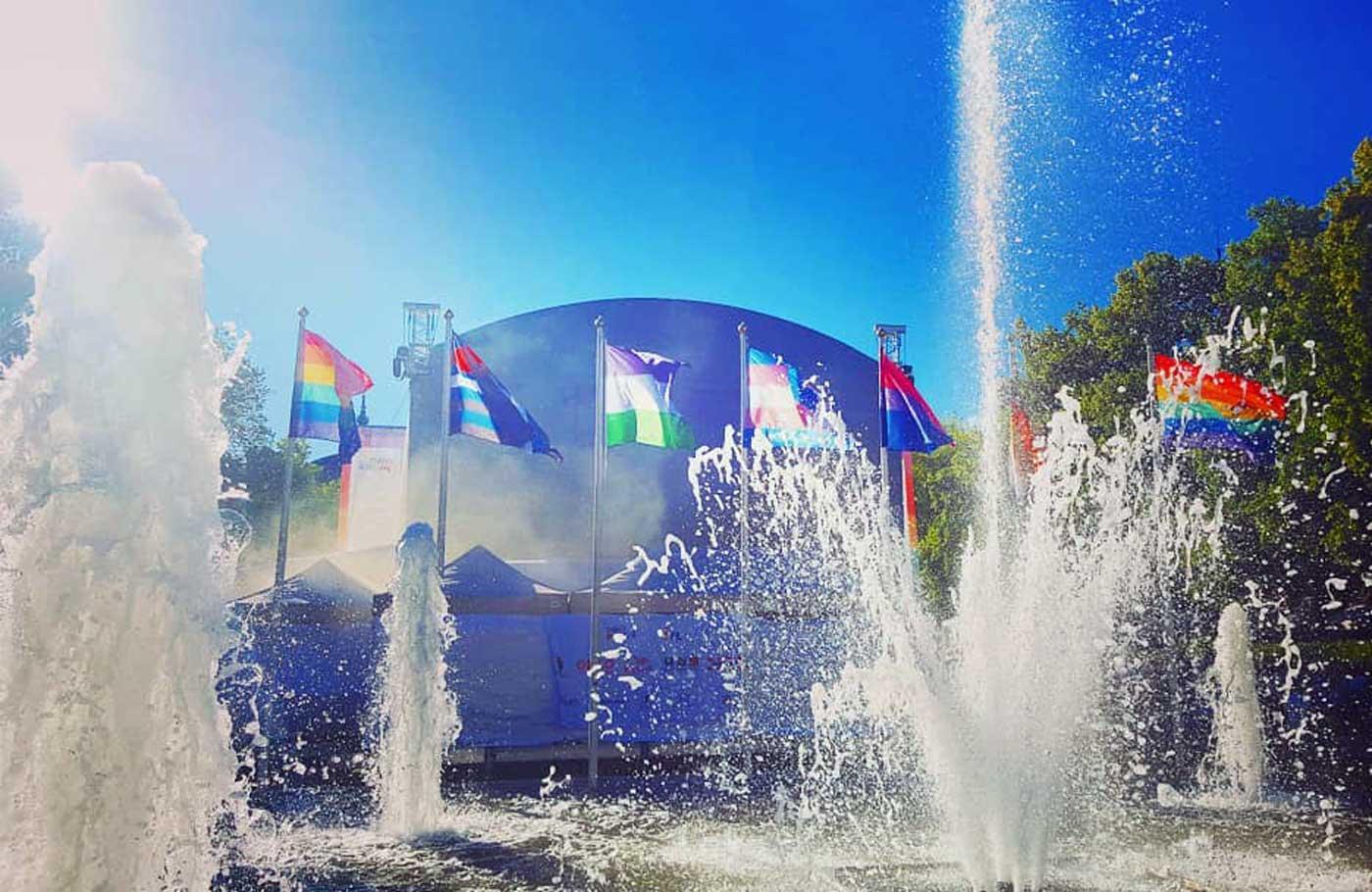 Oslo Pride er et magisk mangfold. Kjærligheten bobler over i byen vår. Og i sentrum av det hele finner vi BamseScenen i Pride Park. En scene som bygger fullt og helt på solidaritet , hvor alle artister stiller opp gratis.