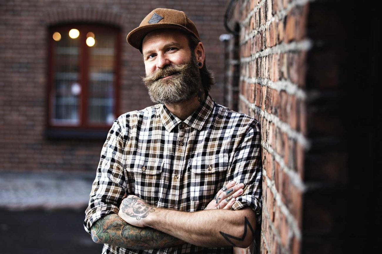 Adam Schjølberg blir konferansier for Pride Night i Son lørdag 4. september.